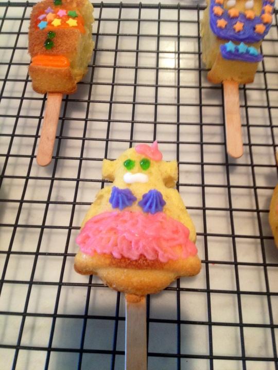 Cake Pop Sexbot