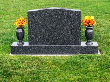 gravestoneta-186755520